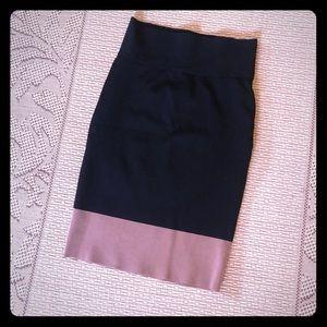 EUC Black and tan colorblock pencil skirt in XS